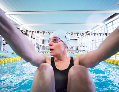 Mixed 25 SC Meter Backstroke - Carrie Smith