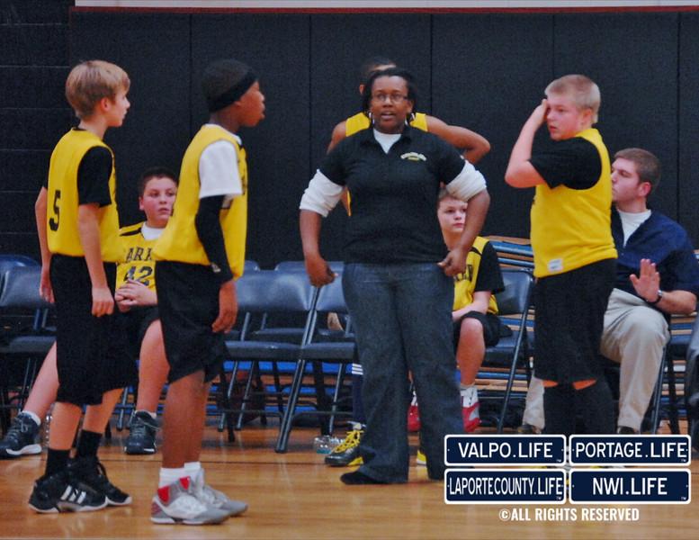 Barker-vs-Elston-MS-boys-basketball-12-11-12 (7)