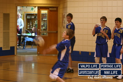 St _Paul_7th_Grade_Volleyball_2009 (17)