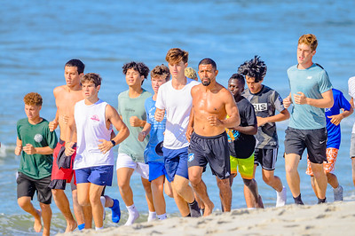 20210904-Elizabette Cohen surfing Long Beach 9-4-21Z62_5124