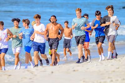 20210904-Elizabette Cohen surfing Long Beach 9-4-21Z62_5120
