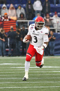 Cincinnati running back #3 Michael Warren II carries the ball.