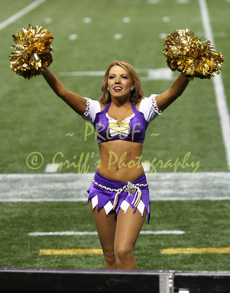 """THIS PHOTO IS NOT FOR SALE.  DISCLAIMER:  The name """"Minnesota Vikings"""", the Vikings logo, the Vikings cheerleaders, MVC, and all uniform designs are official trademarks of the Minnesota Vikings organization and, the NFL, or the Metrodome.  The NFL Shield is a trademark of the National Football League. This is an unofficial site and claims no rights to these trademarks.  This site is for informational and entertainment purposes only. These photos are available for personal, non-commercial use only.  Reproduction or sale,  unless otherwise noted, is strictly prohibited."""