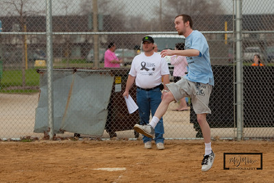 Kickin_Cancer_Kickball_-116
