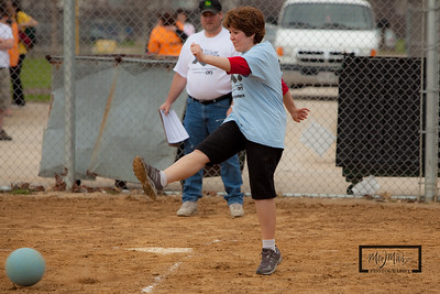 Kickin_Cancer_Kickball_-103