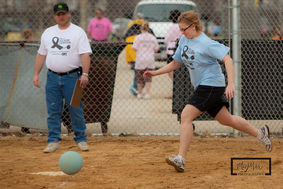 Kickin_Cancer_Kickball_-114