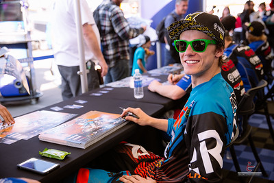20150131-Anaheim-Supercross-pit-112