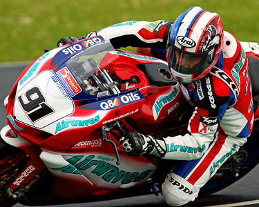 "Leon Haslam during free practice on Saturday 16/6/2007 at the BSB meeting at Mondello Park, Ireland.  Photographer: Seamus Nicholson, Sportspix.ie  phone:    Please credit ""Seamus Nicholson, sportspix.ie"" as the photographer."
