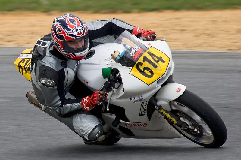 C Superbike Novice winner Mark Heroux rounds Turn 10