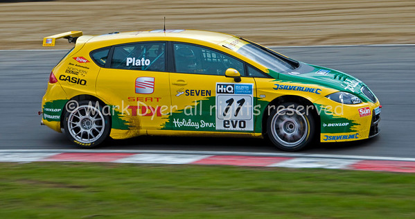 Jason Plato BTCC Seat Leon TDI on 3 wheels at Druids