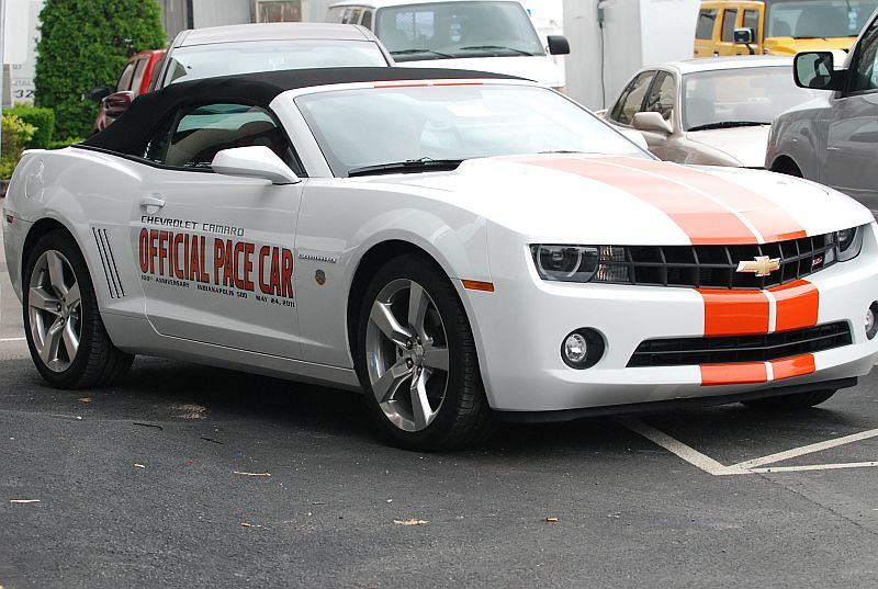 New school Camaro with a great old school pace car livery.DO WANT.