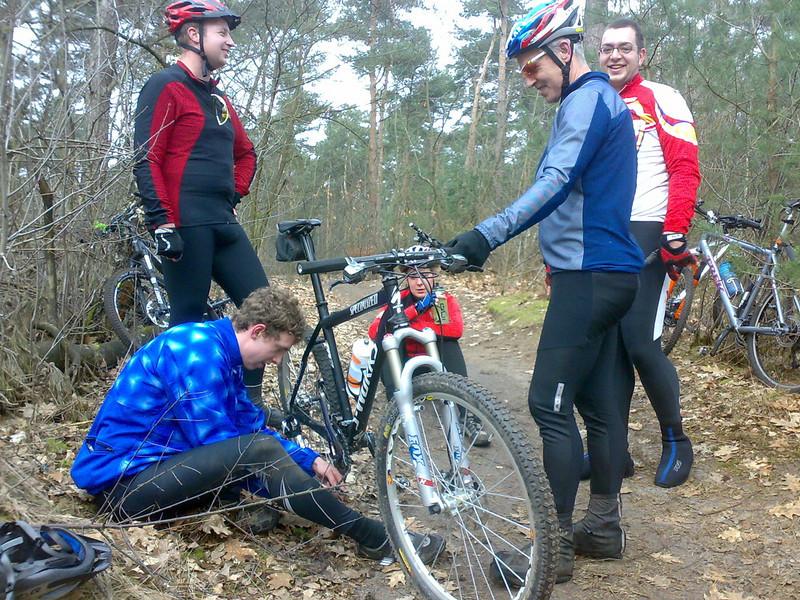 Chain failure, Sjoerd, Jeroen, Sytske, Marijn and Gijs (photo: Chris van Maurik)