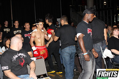Chanan Bunchaidung (2-1) of Saohin Srisuk Muay Thai (Tacoma)