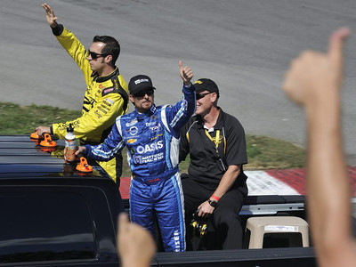 Sam Hornish ( 12 ), Alexandre Tagliani ( 30 )