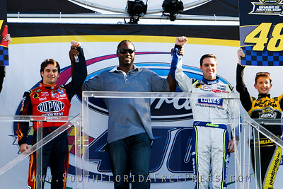 Leennox Lewis introduces Jeff Gordon and Jimmie Johnson