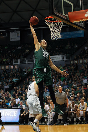 Hawaii junior Stefan Jankovic (33) goes up with the right against Montana State at the Stan Sheriff Center, Honolulu, Hawaii on November 3, 2015. Jankovic played high school ball at Huntington Prep with Andrew Wiggins and college teammate Negus Webster-Chan.