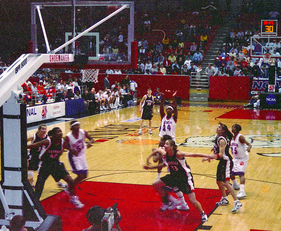 NCAA Women's basketball tournament, Cincinnati