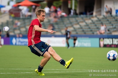 North Carolina FC midfielder Zach Steinberger (23)