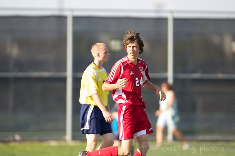 083012 NCHS vs Neuqua  0413