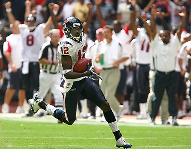 October 12, 2008 - Jacoby Jones returns a second quarter punt 70 yards for a touchdown as the Houston Texans battle the Miami Dolphins at Reliant Stadium in Houston.  The Texans scored a go ahead touchdown with three seconds left in the fourth quarter to defeat the Dolphins 29-28.
