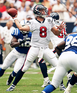 Quarterback Matt Schaub connects for a 22 yard touchdown pass to Kevin Walter in the second quarter.