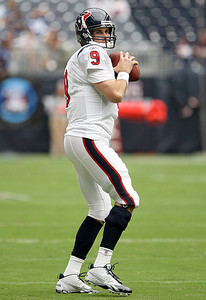 September 12, 2010- Recently signed backup quarterback Matt Leinart throws during warmups before the game. The Houston Texans opened their 2010 season with a 34-24 win over the Indianapolis Colts.