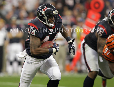 Jan 07, 2012; Houston, TX, USA; Houston Texans running back Ben Tate (44) rushes during the third quarter of the 2011 AFC wild card playoff game against the Cincinnati Bengals at Reliant Stadium. Mandatory Credit: Troy Taormina-US PRESSWIRE