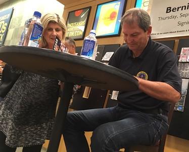 092817 fbn Bernie Kosar book signing