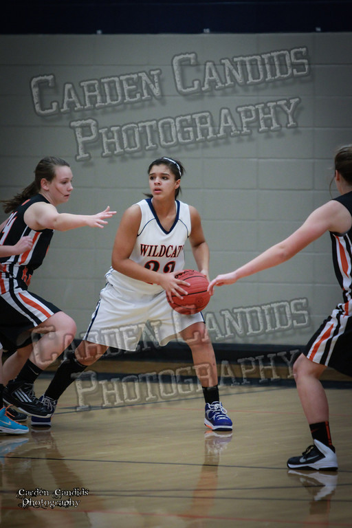 Wildcat Girls vs Black Knights 12-2-13-014