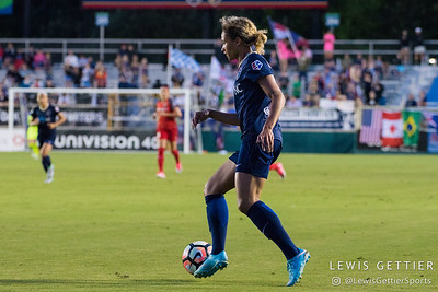 Lynn Williams (9) during a match between the NC Courage and the Portland Thorns in Cary, NC in Week 2 of the 2017 NWSL season. Photo by Lewis Gettier.