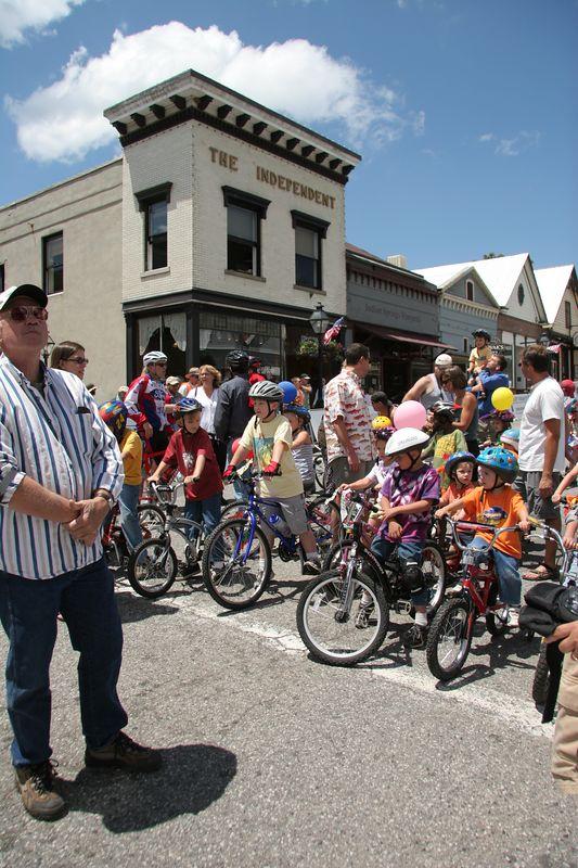 Kids' Parade start
