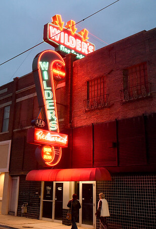 Wilder's newly restored sign lights up Main street on Saturday night at the historic restaurant.<br /> Globe | Laurie Sisk
