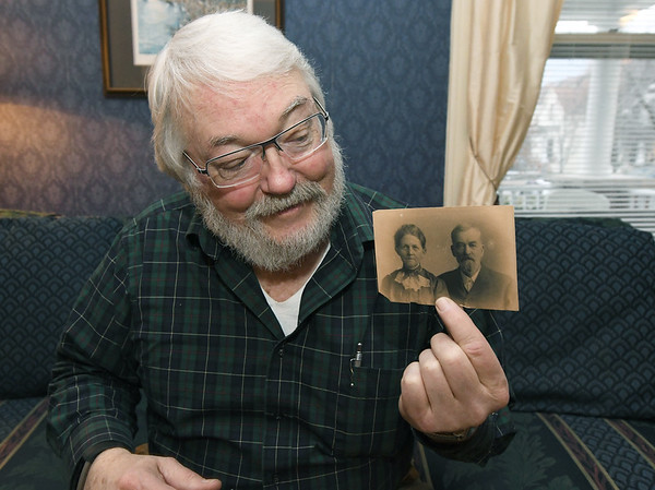 Murphysburg resident Jim Scott holds a vintage photograph of Mildred Millisa Wilson Taylor and her husband, Lee Taylor - the first elected mayor in the City of Joplin.<br /> Globe   Laurie SIsk