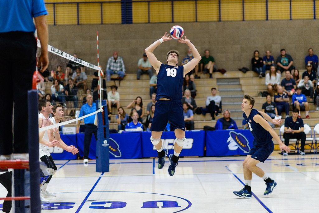 Setter #19 Randy DeWeese sets a back 1.