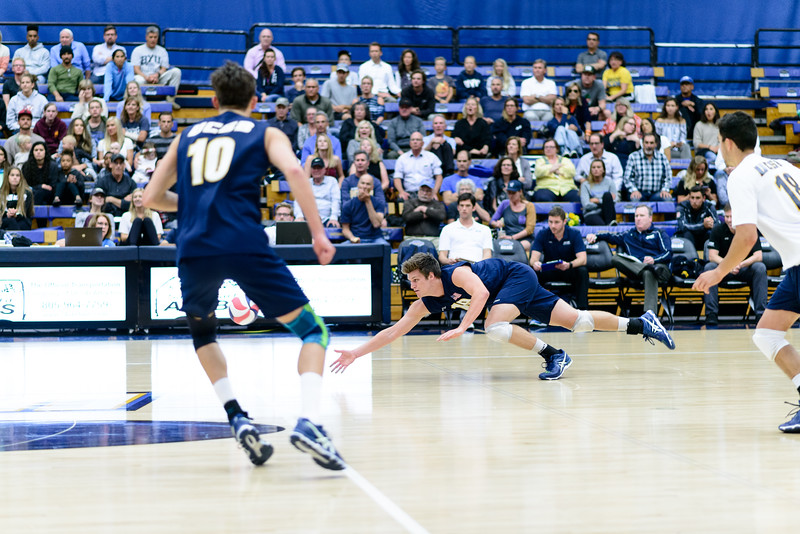 Randy DeWeese dives for a tip off the block.