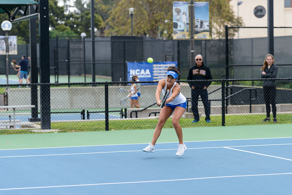 Natalie Da Silveira reaches with her backhand