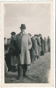 Onderschrift: geen Opmerking: m.i. Jan Blom langs de lijn waar?   Collectie Jan Blom env. Drijver  Fotograaf: onbekend  Formaat: 11 x 7 Afdruk zw