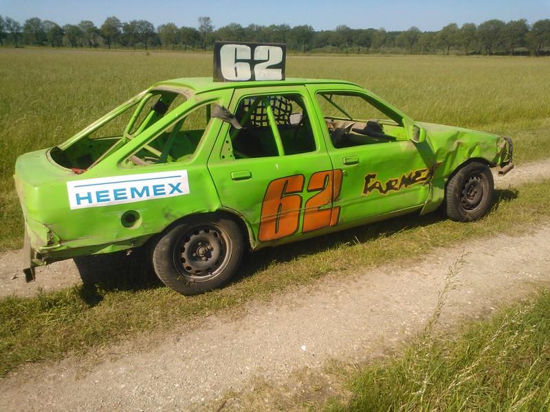 De rodeo heeft 15 jaar stil gestaan maar start dan ook weer. Peter de Farmer heeft dan vroeger ook veel lol gehad met deze auto in Lelystad.