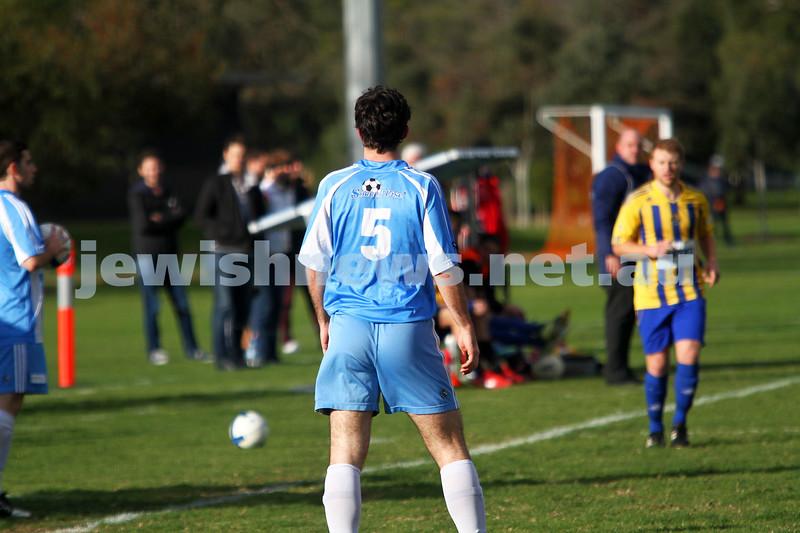 16-6-13. Noth Caulfield Maccabi Football Club draw with Beaumaris SC 1 - 1 at Caulfield Park. Photo: Peter Haskin