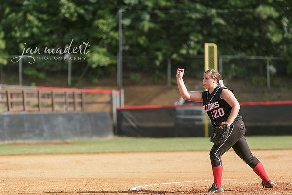 JMadert_North_9Softball_0821_2013_012
