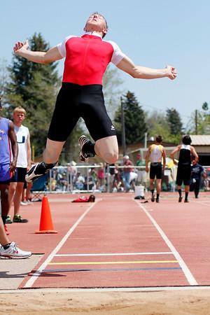 Jaden Olearnick long jumping