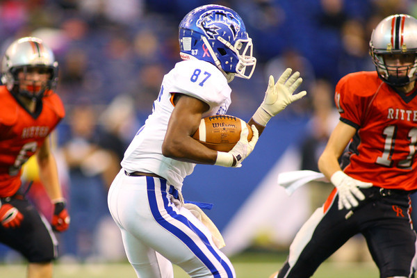 11-30-13<br />   Tipton HS Football State Championship Runner-up<br />   Tipton's Jake Devendorf running the ball in the first quarter.<br />   KT photo   Tim Bath
