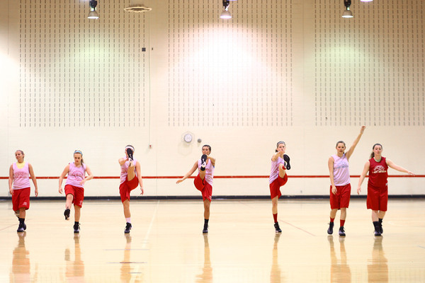 11-7-13<br /> Maconaquah girls basketball practice<br /> Maconaquah's girls basketball team stretches before they practice after school.<br /> KT photo | Kelly Lafferty
