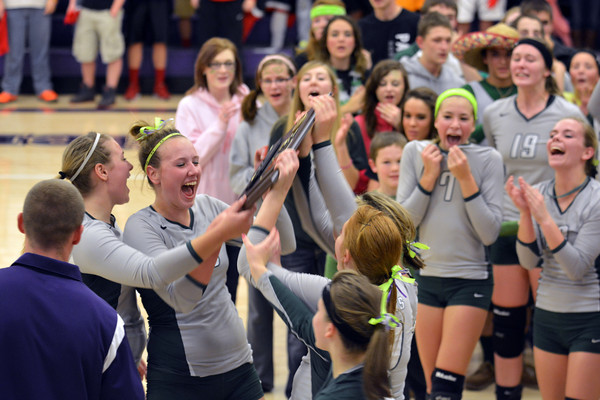 Stew-Stras celebrates its Sectional championship win.
