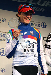 Marianne Vos is the 2009 UCI Worldcup winner.