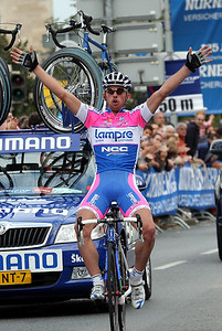 Francesco Gavazzi (Lampre) wins the race.