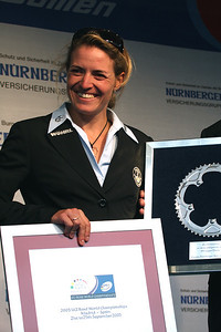 Ex-world champion Regina Schleicher (Equipe Nuernberger) is retiring after the 2009 season.