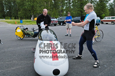 Keith Kohan encourages John Williams to remodel his Quest. Oregon Human Powered Vehicles 6th Annual Human Power Challenge, May 29, 2005, Portland International Raceway.
