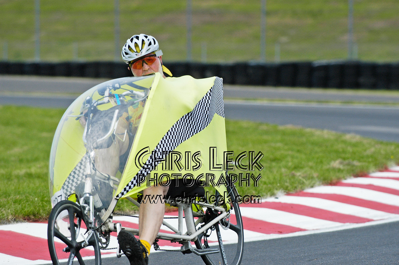 Dave Van Gundy. Road race, fully-faired divisions. Oregon Human Powered Vehicles 6th Annual Human Power Challenge, May 28, 2005, Portland International Raceway.