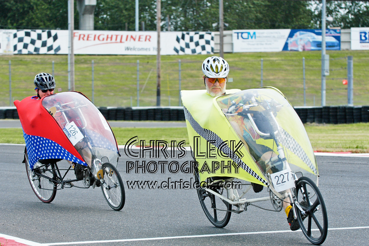 Dave Van Gundy (r) and Bruce Parker. Road race, fully-faired divisions. Oregon Human Powered Vehicles 6th Annual Human Power Challenge, May 28, 2005, Portland International Raceway.